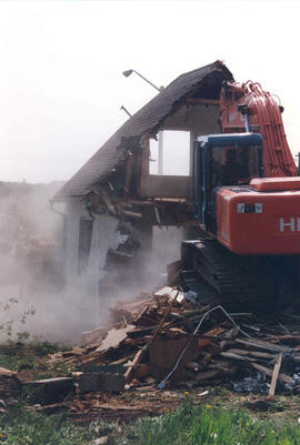 Demolishing the Bert Pary house