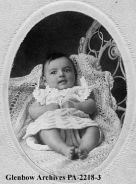 Baby portrait of James Pa...