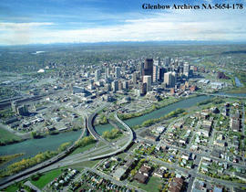 Aerial view looking towards downtown city centre, Calgary, Alberta.