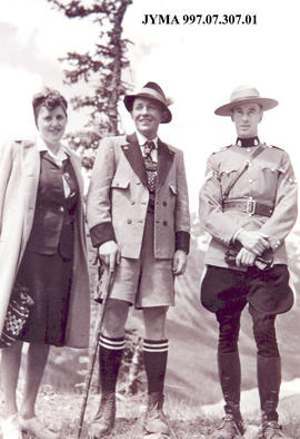 May and Neil McLeod with Bing Crosby, Jasper, Alberta.
