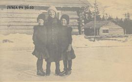 Margaret and Mary George with a Scandinavian visitor at Fitzhugh, Jasper National Park, Alberta.