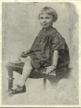 Norma Faintuch Nozick as a child.