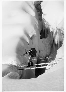 Laurie Skreslet in the Khumbu Icefall : [photograph]