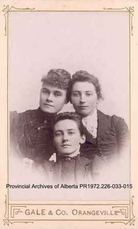 Portrait of an unidentified woman with Annie and Winnie McKitrick