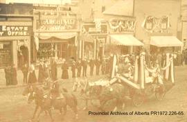 """Modern Alberta"" float in procession at Edmonton inauguration, September 1, 1905"