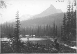 Alpine Club camp scenes, Summit Lake, Yoho Valley / 27663