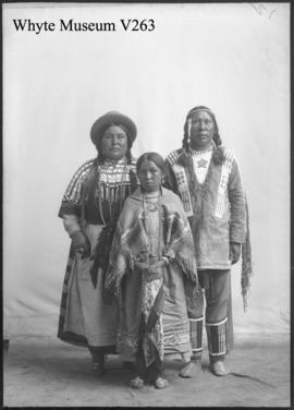 Indians : [Stoney Indian family]