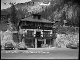 Gateway Lodge, Radium