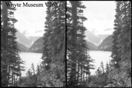 Lake Louise, stereo
